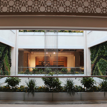 Adds greenery plants to mall without any of the troublesome maintenance.